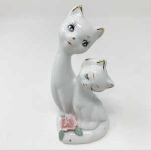 Vintage hand-painted porcelain cats figurine